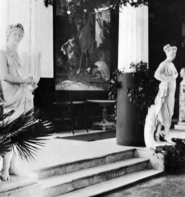 Η εσωτερική διακόσμηση του Αχιλλείου εν έτει 1900 μέσα από φωτογραφίες