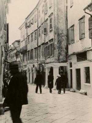 Η οδός Φιλαρμονικής σε ένα σπάνιο φωτογραφικό στιγμιότυπο