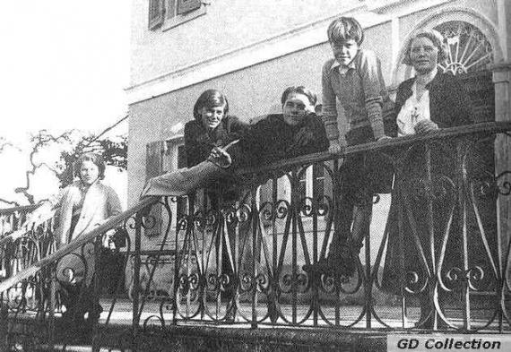 H ζωή της οικογένειας Durrell γυρίζεται σειρά στην Κέρκυρα