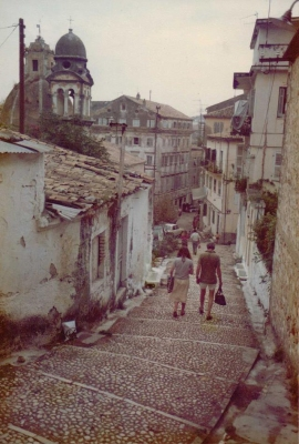 Mία παλιά φωτογραφία από τα σκαλοπάτια στην Τένεδο