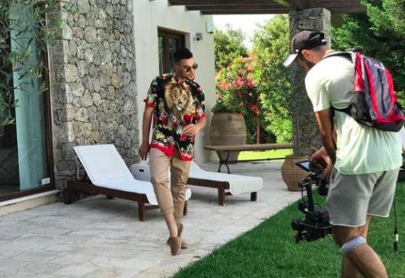 Στην Κέρκυρα το νέο βίντεο κλιπ διάσημου τραγουδιστή της Αλβανίας