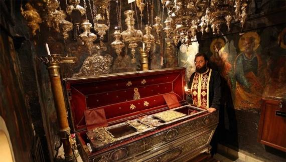 Άγιος Σπυρίδων: ο πολιούχος, προστάτης Άγιος της Κέρκυρας και η λατρεία του
