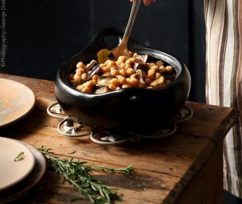 Συνταγή για ρεβύθια με μελιτζάνες στο φούρνο