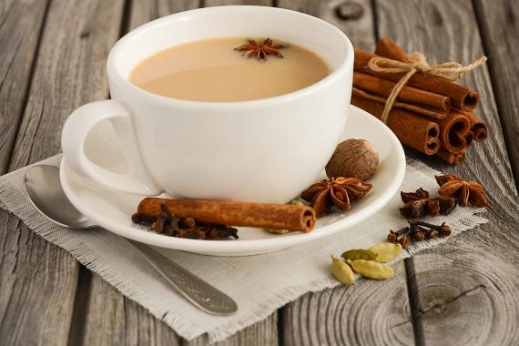 Σπιτικό τσάι με τζίντζερ και κανέλα
