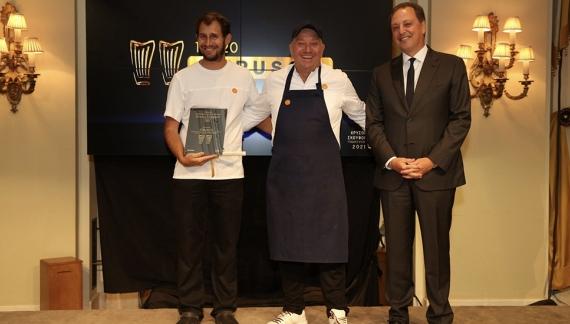 Καλύτερο εστιατόριο της Ελλάδας το «Etrusco» στην Κέρκυρα. Χρυσοί Σκούφοι 2021