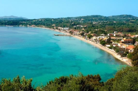 8 παραλίες της Κέρκυρας ιδανικές για οικογένειες και παιδιά