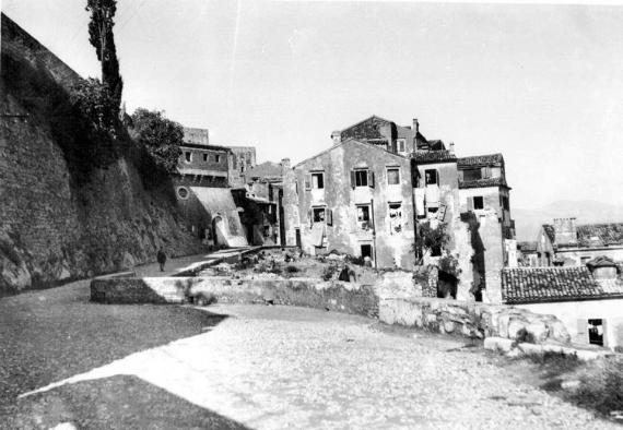Η οδός Σχολεμβούργου σε μία παλιά φωτογραφία