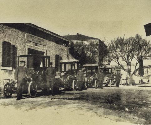 Tα ταξί στην Κέρκυρα στο παρελθόν σε μία φωτογραφία
