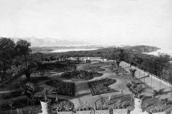Ο κήπος του Αχιλλείου σε μία άποψη του 1891