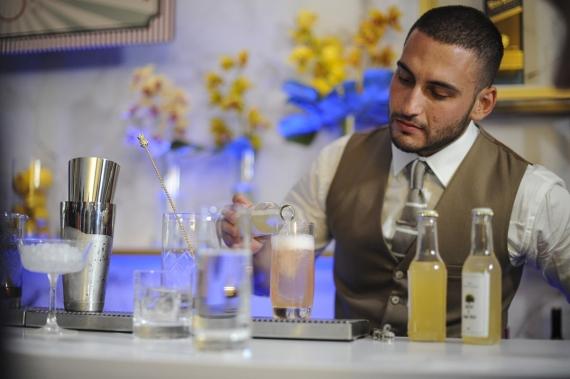 Ο Νίκος Γινάργυρος από τους Παξούς: ο Έλληνας Bartender of the Year