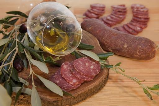 Συνταγή για καρμπονάρα με σαλάδο από την Κέρκυρα